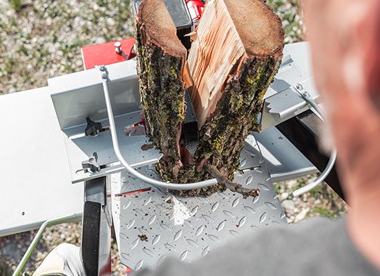 Holzspalter   AL-KO Spalter mit 2-Hand-Bedienung und Holzhaltevorrichtung
